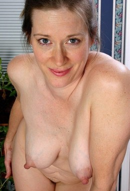 Bare mature tits, amateur middle aged..