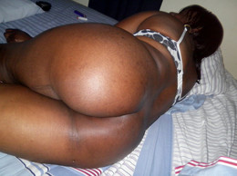 Sexy black BBW opens her pussy at home