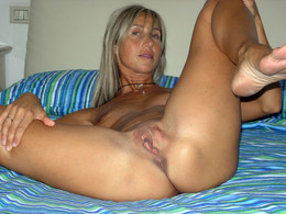 Blonde MILF exposing all secret spots..