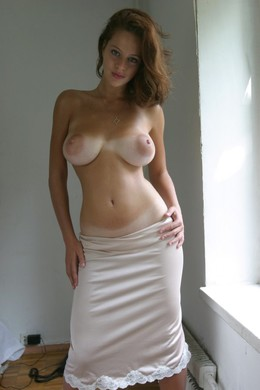 Stunning hottie takes self homemade..