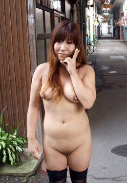 Naked mature Exhibitionist at public,..
