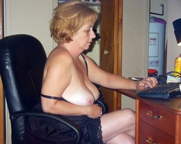 Naked Granny masturbate and rubs her..