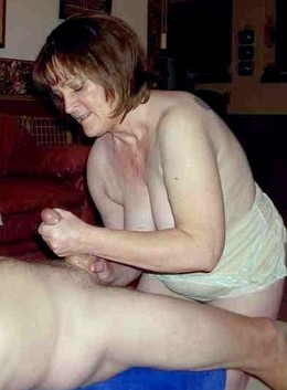 Older women suck, making handjob and..