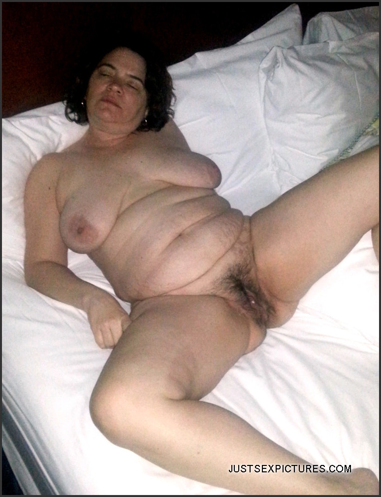 She Mature fat women posers view